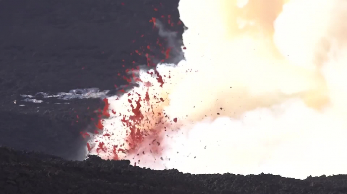 Italy: Mount Etna spews ash and lava into air as eruption continues-  NO COMMENT