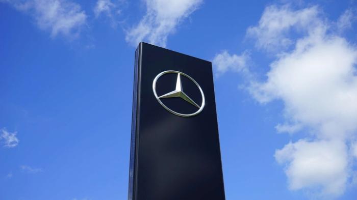 """""""Mercedes"""" 45 minə yaxın avtomobili geri çağırır"""