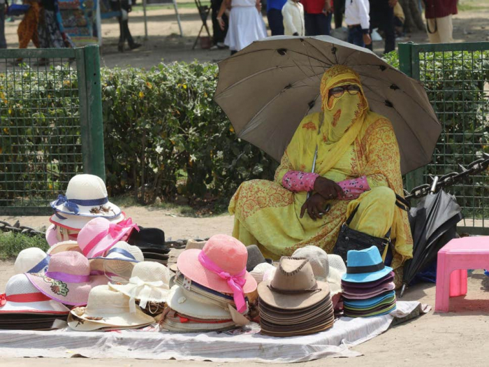 Indian states under severe weather warnings from near 50C heatwave
