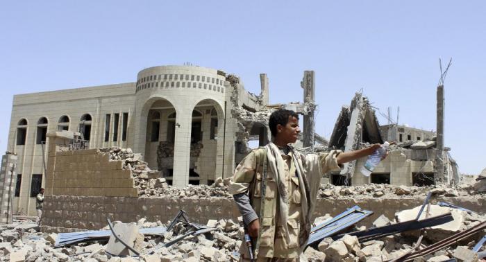 Rebeldes hutíes atacan aeropuerto de Arabia Saudí