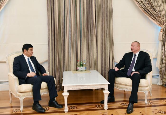 Präsident Ilham Aliyev empfängt WZO-Generalsekretär