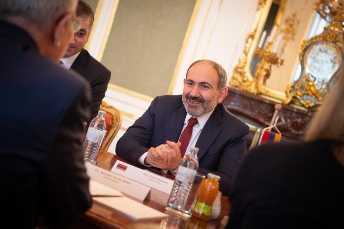 Medien: Russische Geschäftsleute armenischer Herkunft fürchten, in Armenien zu investieren