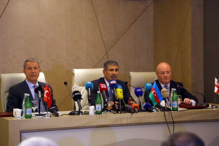 Azerbaijani, Turkish, Georgian defense ministers hold trilateral meeting - UPDATED