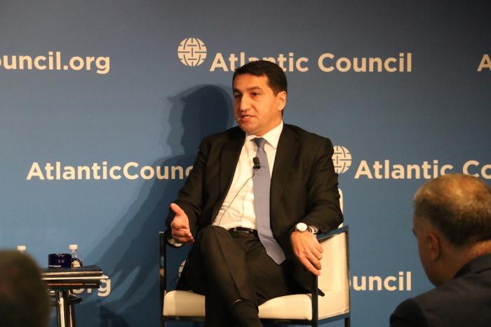 Hikmat Hajiyev desenmascaró a los armenios en Washington
