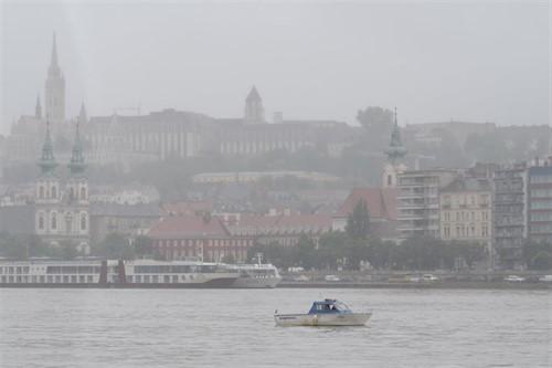Recuperan otro cadáver del Danubio tras el naufragio de una embarcación turística