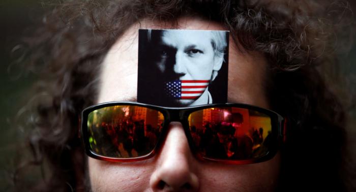 """Ecuadors Ex-Präsident nennt Assanges Auslieferer """"Henker"""""""