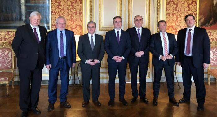 Aserbaidschans und Armeniens Außenminister treffen sicham 20. Juni