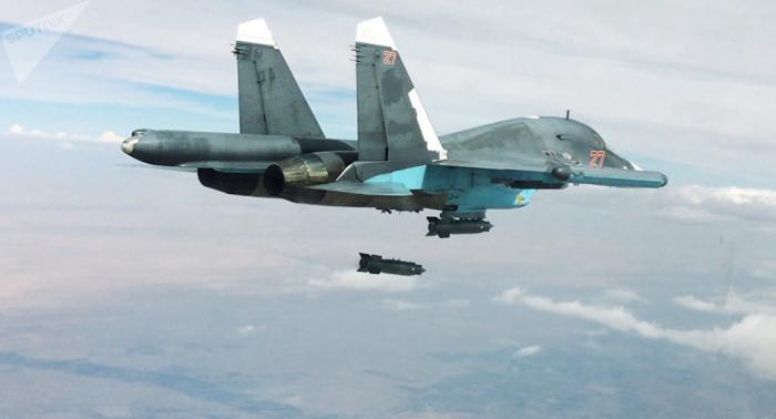 Así liquida un Su-34 un búnker de terroristas en Siria (vídeo)