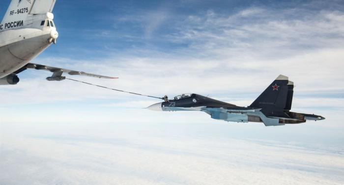 So sieht die Luftbetankung russischer Jäger aus dem Cockpit aus –   Video