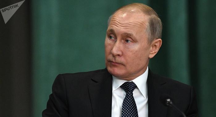 El emir de Kuwait invita a Putin a visitar el país árabe