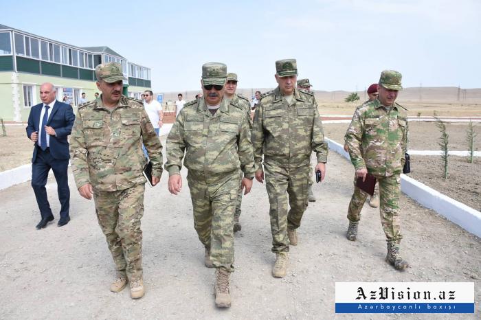 Aserbaidschanischer Verteidigungsminister weiht neues Ausbildungszentrum ein -   FOTOS
