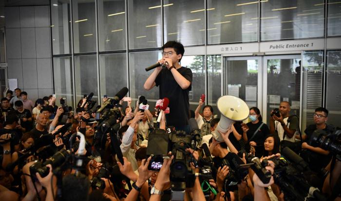 """Joshua Wong:   """"Tras el Movimiento de los Paraguas, dijimos que volveríamos. Lo hemos conseguido"""""""