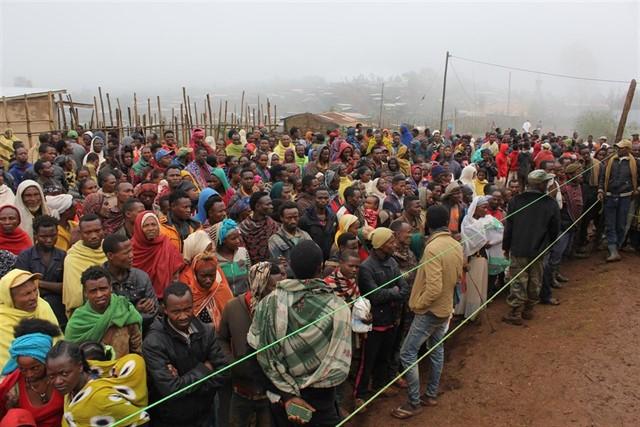 Más de 300.000 personas han huido este mes de la violencia en el noreste de República Democrática del Congo