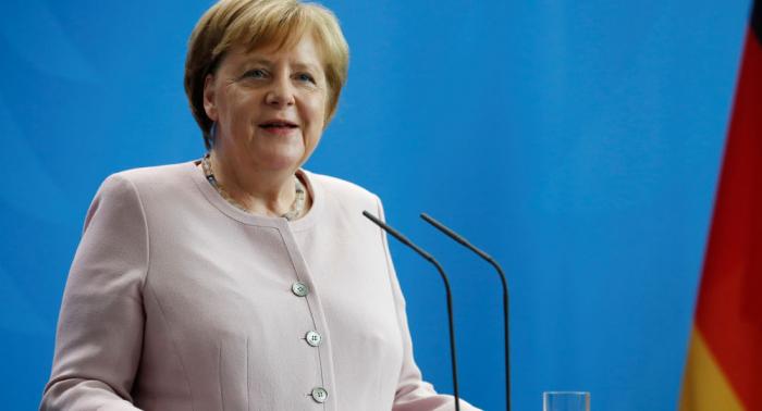 Merkel zittert – und die Welt kriegt einen Krampfanfall
