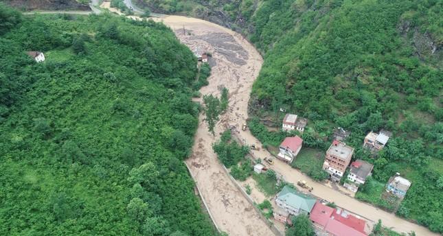 Heavy rainfall floods parts of northeastern Turkey's Trabzon, killing 4