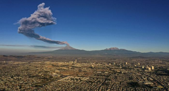 """""""Erstaunliche Kraft der Natur"""" - Vulkan-Explosion in Mexico aus Flugzeug gefilmt"""