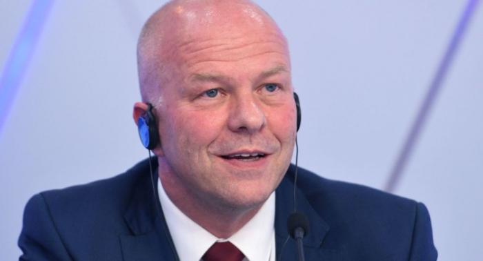 """Russland-Besuch: Deutsche Delegation weist """"Bild""""-Reporter nach Provokation zurecht –   Video"""