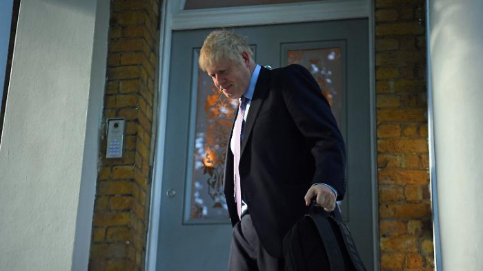 Johnson bekommt Besuch von der Polizei