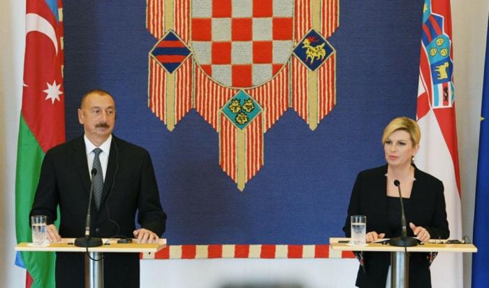 Le président Aliyev félicite la Présidente de la République de Croatie