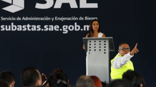 Mexico auctions drug lords