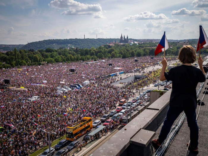 Czechs call on leader to quit, in biggest protest since revolution