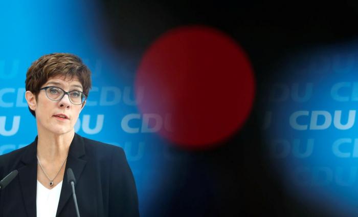 CDU grenzt sich immer stärker gegen AfD ab - Streit im Osten