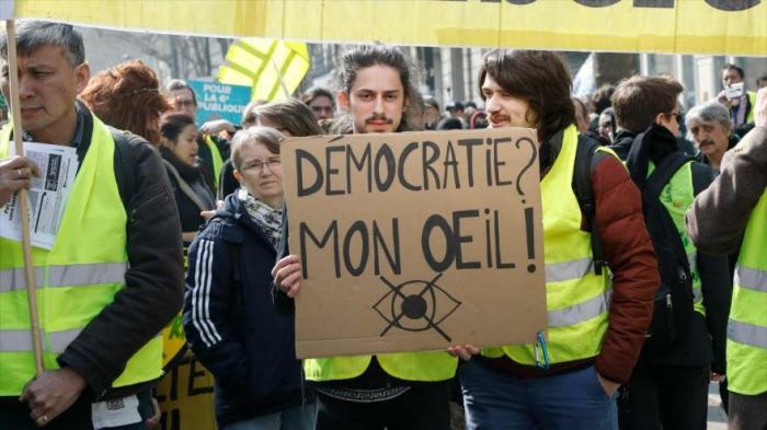 Sondeo muestra insatisfacción de pueblos de Europa con democracia