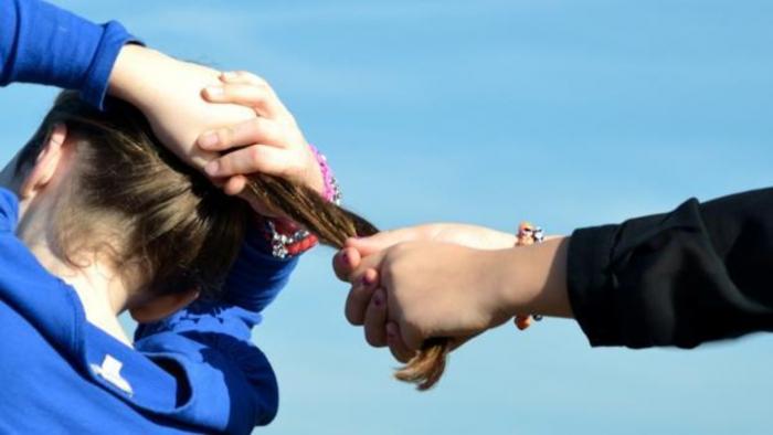 Una niña de once años víctima de bullying se suicida en Francia