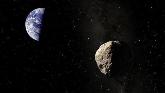 Un asteroide como tres campos de fútbol se acerca mañana a la Tierra