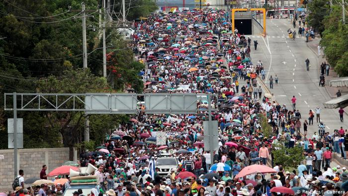 Continúan las protestas y el cierre de los centros educativos en Honduras