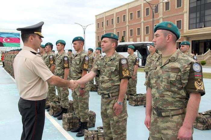 Un grupo de pacificadores azerbaiyanos regresa a Bakú-   Video