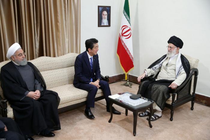 """Xameneyi: """"ABŞ İran rejimini dəyişə bilməz"""""""