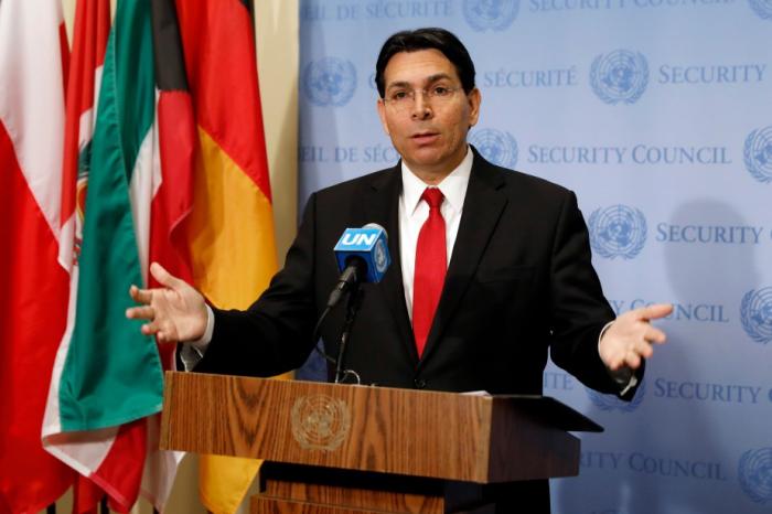 """Les Palestiniens devraient envisager de """"capituler"""", affirme l"""