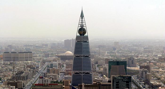 وكالة: ظروف العمل في السعودية والإمارات تحسنت