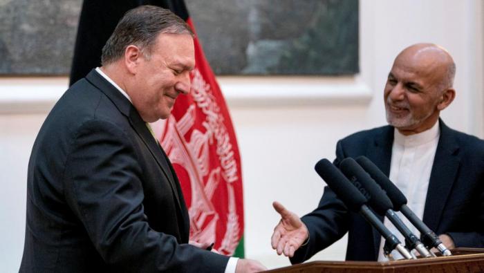 Mike Pompeo, en visite à Kaboul, reçu par le président afghan Ashraf Ghani