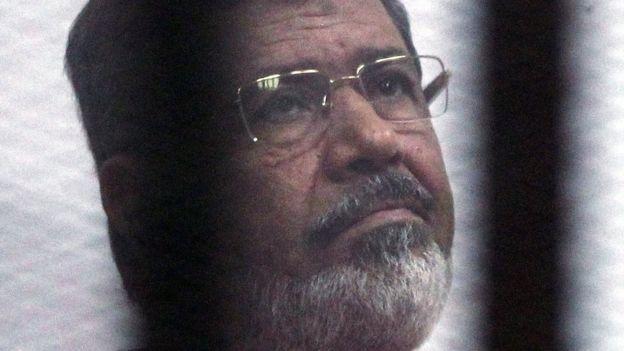 وفاة محمد مرسي: دفن جثمان الرئيس المصري السابق في مقابر شمال شرقي القاهرة