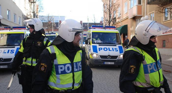 شرطة السويد تعثر على جسم غريب في بلدة شهدت انفجارا قبل أيام