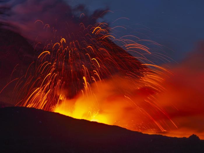 Mount Etna spews lava and ash in spectacular new eruption
