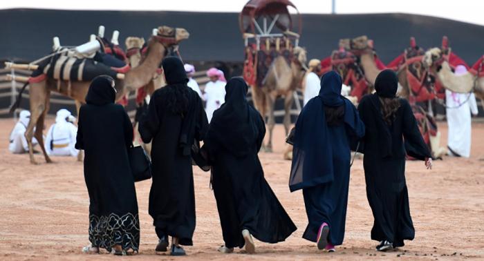 بتأشيرة فورية... السعودية تسعى لجذب السياح وتعزيز اقتصادها الوطني