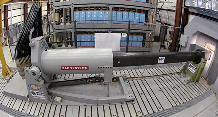 صحيفة تتحدث عن خطر الأسلحة الكهرومغناطيسية الروسية على حاملات الطائرات الأمريكية
