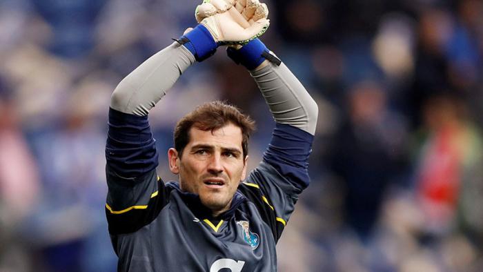 Iker Casillas se retira y se incorpora a la directiva del Oporto