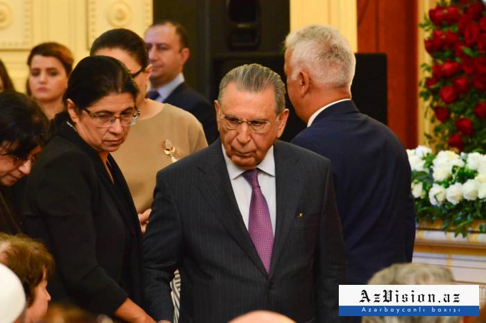 Dövlət rəsmiləri vida mərasimində - FOTOLAR