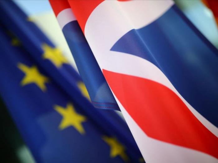 """Brexit: un """"no deal"""" ne dispensera pas Londres de ses engagements financiers"""