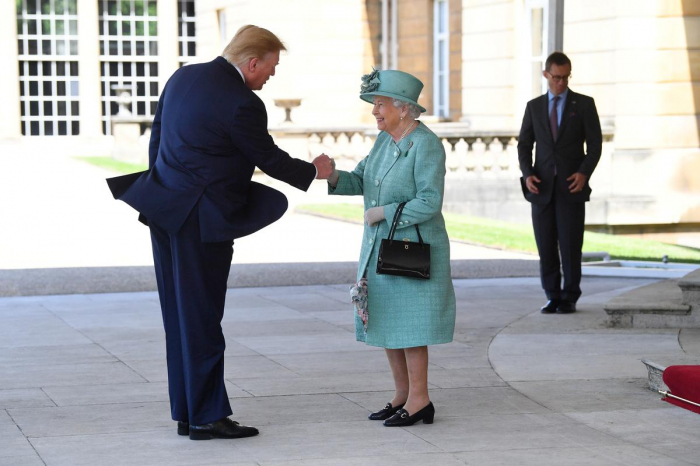 Donald Trump welcomed to Buckingham Palace by Queen Elizabeth