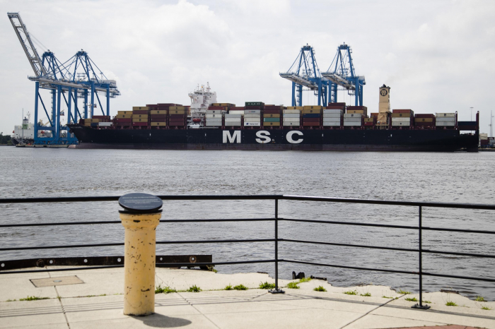 Authorities seize $1bn worth of cocaine in one of the largest US drug busts