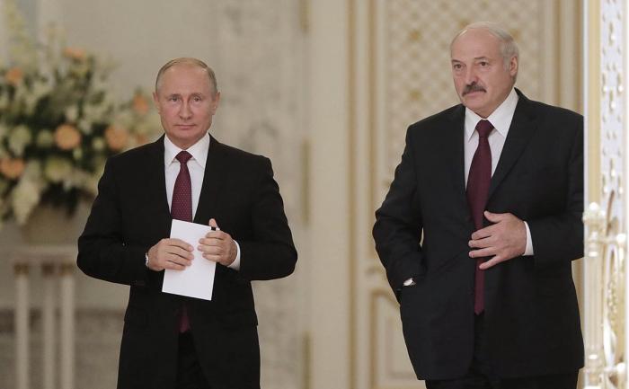 Putin Lukaşenko ilə Bişkekdə görüşdü