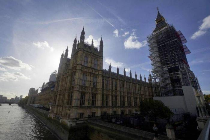 GB :   alerte incendie levée au parlement de Westminster