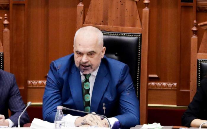 Europe:   le premier ministre albanais appelle l