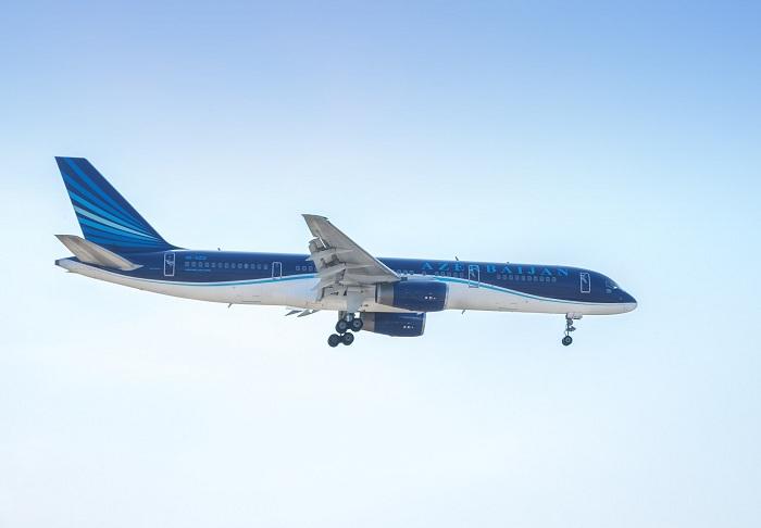 AZAL Bakı-Nyu-York uçuşlarını dayandırır