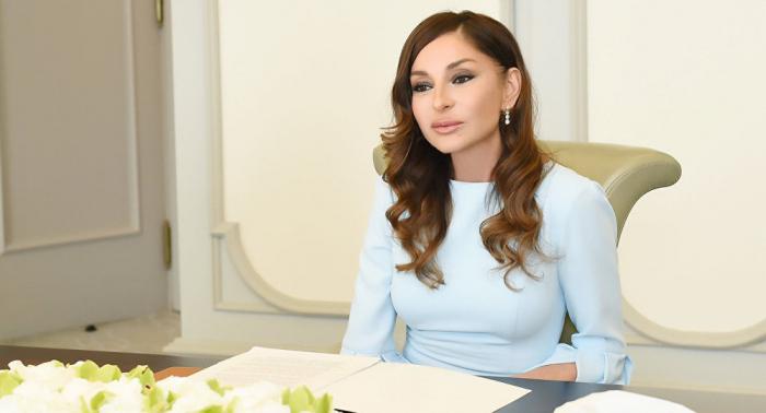 Laprimera vicepresidenta Mehriban Aliyeva felicita el Día de las Fuerzas Armadas de Azerbaiyán
